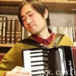 仲凯手风琴