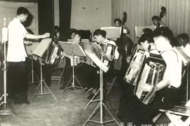 """余继卿:中国手风琴的""""前世"""" 不容篡改"""