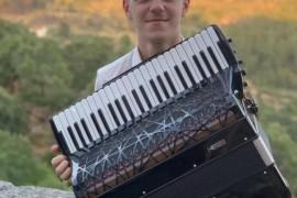 """国际键盘手风琴联盟主办""""来自罗马尼亚的手风琴冠军音乐会""""——拉图·拉托耶北京独奏音乐会售票开始!"""