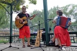 """让心中的音乐自由飞翔——""""伊人依旧""""音乐组合"""