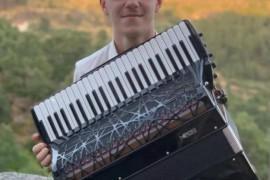 罗马尼亚的手风琴冠军——拉图·拉托耶
