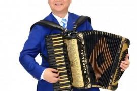 中国手风琴教育家——郭伟湘